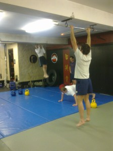 Bodyweight and kettlebells, a perfect combination