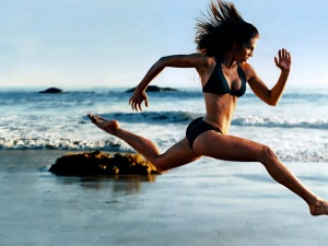 girl-running-on-the-beach